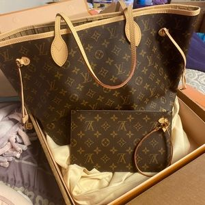 Louis Vuitton Neverfull MM NEVER USED in box